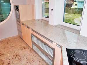 Marmorni pulti in tla v kuihinji
